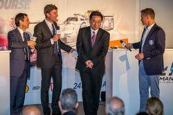Presidente de ACO Pierre Fillon, Yoshiaki Kinoshita, Espíritu ganador de Le Mans y el Gran Mariscal