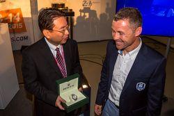 Yoshiaki Kinoshita, Espíritu ganador de Le Mans y el Gran Marshal Tom Kristensen