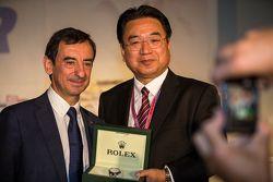Yoshiaki Kinoshita, Spirit of Le Mans winner and Pierre Fillon, president of the ACO