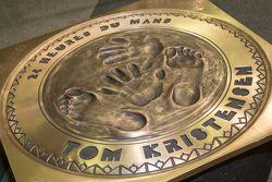 Tom Kristensen enthüllt seine Hand- und Fußabdrücke auf Plaketten