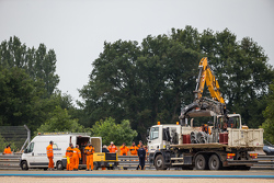 Reparaciones al Armco después del accidente del # 48 Murphy Prototipos ORECA 03R: Natanael Berthon,