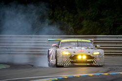 #97 Aston Martin Racing Aston Martin Vantage GTE: Darren Turner, Stefan Mücke, Rob Bell