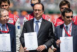 FIA Road Safety photoshoot: FIA President Jean Todt, France President François Hollande and ACO President Pierre Fillon