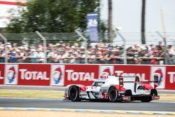 #7 Audi Sport Team Joest Audi R18 e-tron quattro: Марсель Фэсслер, Андре Лоттерер, Бенуа Трелуйе