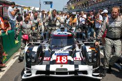 #18 Porsche Team Porsche 919 Hybrid Líder do grid