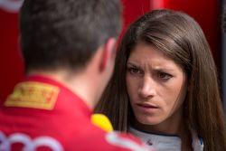 Cyndie Allemann interviewt Loic Duval, Audi Sport Team Joest