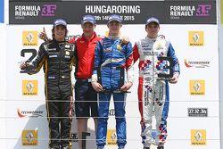 Podium: race winner Egor Orudzhev, Arden Motorsport, second place Roberto Merhi, Pons Racing, third