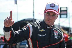Pole Will Power, Team Penske Chevrolet celebrates