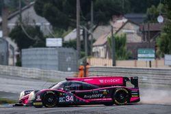Spin for #34 OAK Racing Ligier JS P2: Chris Cumming, Kevin Estre, Laurens Vanthoor
