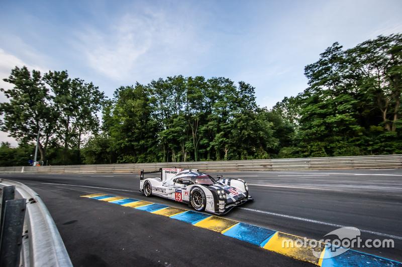 2015 Le Mans 24 Hours - #19 Porsche Team Porsche 919 Hybrid: Nico Hulkenberg, Nick Tandy, Earl Bamber
