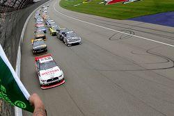 Start: Joey Logano, Team Penske Ford leads
