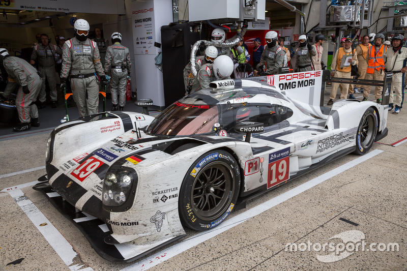 Splash And Dash For The 19 Porsche Team 919 Hybrid Nico Hulkenberg