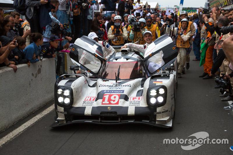 2015 Le Mans galibi #19 Porsche Takımı - Porsche 919 Hibrit: Nico Hulkenberg, Nick Tandy, Earl Bambe