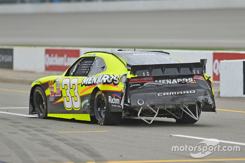 Paul Menard, Richard Childress Racing Chevrolet with damage