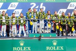 LMP2 podio: vincitori di categoria #47 KCMG ORECA 05: Matthew Howson, Richard Bradley, Nicolas Lapie