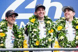 LMGT Pro podium: ganadores #64 Corvette Racing Corvette C7.R: Jordan Taylor, Oliver Gavin, Tommy Mil