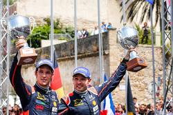 Podium: derde plaats Thierry Neuville en Nicolas Gilsoul, Hyundai i20 WRC, Hyundai Motorsport