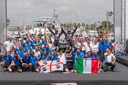 Podium: winnaars Sébastien Ogier en Julien Ingrassia, Volkswagen Polo WRC, Volkswagen Motorsport