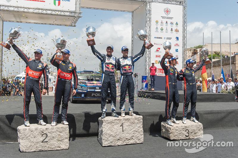 Podium: ganadores, Sébastien Ogier y Julien Ingrassia, Volkswagen Polo WRC, Volkswagen Motorsport, segundo lugar, Hayden Paddon y John Kennard, Hyundai i20 WRC, Hyundai Motorsport, tercer lugar, Thierry Neuville y Nicolas Gilsoul, Hyundai i20 WRC, Hyundai