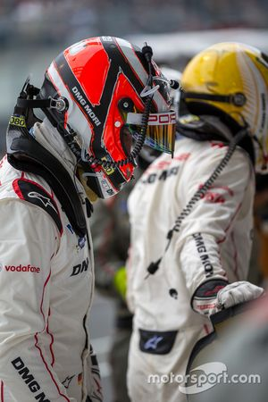Porsche Team: Nico Hulkenberg swapping with Earl Bamber