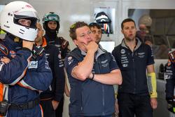Trouble for the #98 Aston Martin Racing Aston Martin Vantage GTE: Paul Dalla Lana, Pedro Lamy, Mathias Lauda late in the race