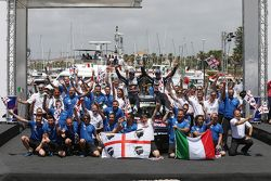 Podium: ganadores, Sébastien Ogier y Julien Ingrassia, Volkswagen Polo WRC, Volkswagen Motorsport