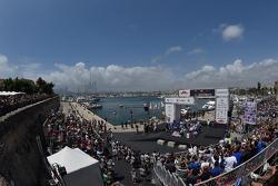 Podium: winnaars Sébastien Ogier en Julien Ingrassia, Volkswagen Polo WRC, Volkswagen Motorsport, tw