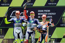 Segundo lugar, Valentino Rossi y el ganador, Jorge Lorenzo, Yamaha Factory Racing con el tercer luga