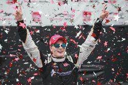 Yarış galibi Josef Newgarden, CFH Racing Chevrolet