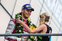 LMP1 pódio: terceiro lugar Audi Sport Team Joest Audi R18 e-tron quattro: Andre Lotterer