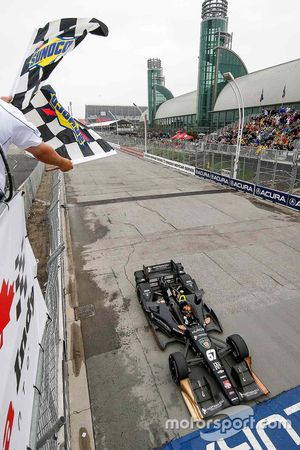 Josef Newgarden, CFH Racing, Chevrolet, mit dem Sieg