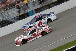 Ryan Newman, Richard Childress Racing Chevrolet e Trevor Bayne, Roush Fenway Racing Ford
