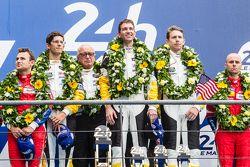 LMGT Pro podium: los ganadores #64 Corvette Racing Corvette C7.R: Jordan Taylor, Oliver Gavin, Tommy