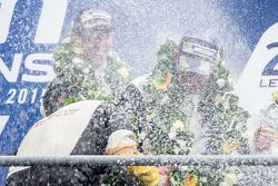 LMGT Pro podium: los ganadores, #64 Corvette Racing Corvette C7.R: Jordan Taylor, Oliver Gavin, Tomm