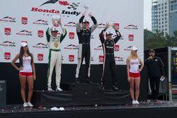 Pódio: Vencedor da corrida, Josef Newgarden, CFH Racing Chevrolet, segundo colocado, Luca Filippi, C