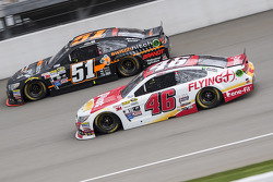 Michael Annett, HScott Motorsports Chevrolet y Justin Allgaier, HScott Motorsports Chevrolet