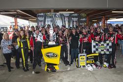 Ganador de la carrerar Kurt Busch, Stewart-Haas Racing Chevrolet