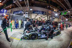 Pit stop per #30 Extreme Speed Motorsports Ligier JS P2: Scott Sharp, David Heinemeier Hansson, Ryan