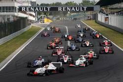 Лиу Делетраз, Josef Kaufmann Racing, лидирует на старте