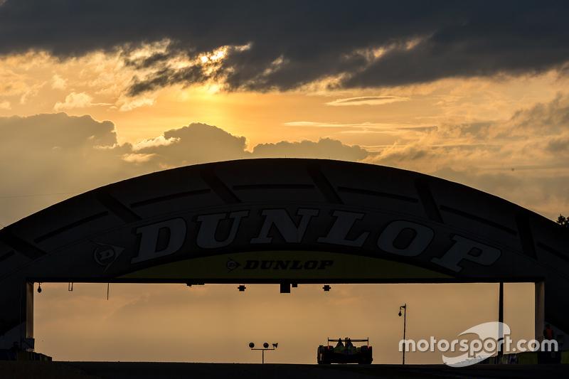 Amanecer en el puente Dunlop con nubes