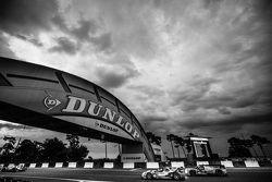#45 Ibanez Racing ORECA 03R: Pierre Perret, José Ibanez, Ivan Bellarosa, #40 Krohn Racing Ligier JS