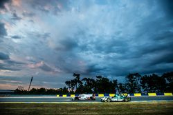 #7 Audi Sport Team Joest Audi R18 e-tron quattro: Marcel Fässler, Andre Lotterer, Benoit Tréluyer, #48 Murphy Prototypes ORECA 03R: Nathanael Berthon, Mark Patterson, Karun Chandhok