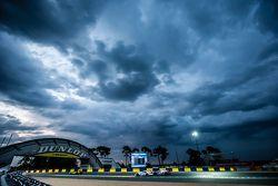 #53 Riley Motorsports Dodge Viper GTS-R: Ben Keating, Jeroen Bleekemolen, Marc Miller, #8 Audi Sport