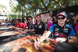 Craig Lowndes, Triple Eight Race Engineering Holden e Mark Winterbottom, Prodrive Racing Australia F