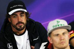 Fernando Alonso, McLaren et Nico Hulkenberg, Sahara Force India F1, lors de la conférence de presse FIA