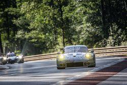 #68 Team AAI, Porsche 911 GT3-RSR: Han-Chen Chen, Gilles Vannelet, Mike Parisy