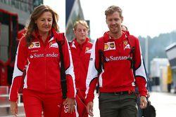 Stefania Bocchi, oficial de prensa de Ferrari con Sebastian Vettel, Ferrari