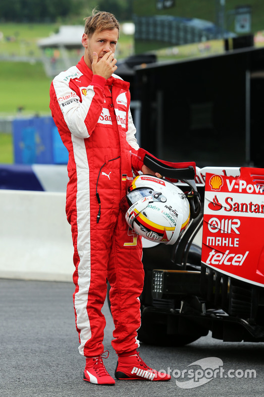 Sebastian Vettel, Ferrari para no circuito durante treino livre