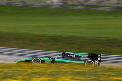 Ричи Стэнэвей, Status Grand Prix