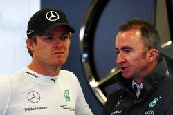 Nico Rosberg, Mercedes AMG F1 with Paddy Lowe, Mercedes AMG F1 Executive Director,